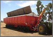 Benne Agricole Dunstan de 100 tonnes chargée de grain